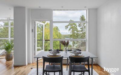 Asunto 183 m2 Yliskylässä, näkymät kolmesta kerroksesta merelle, myyty syksyllä 2020